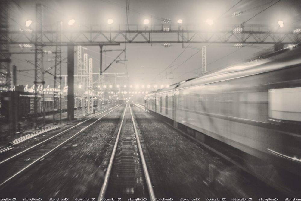 《通勤车之夜》