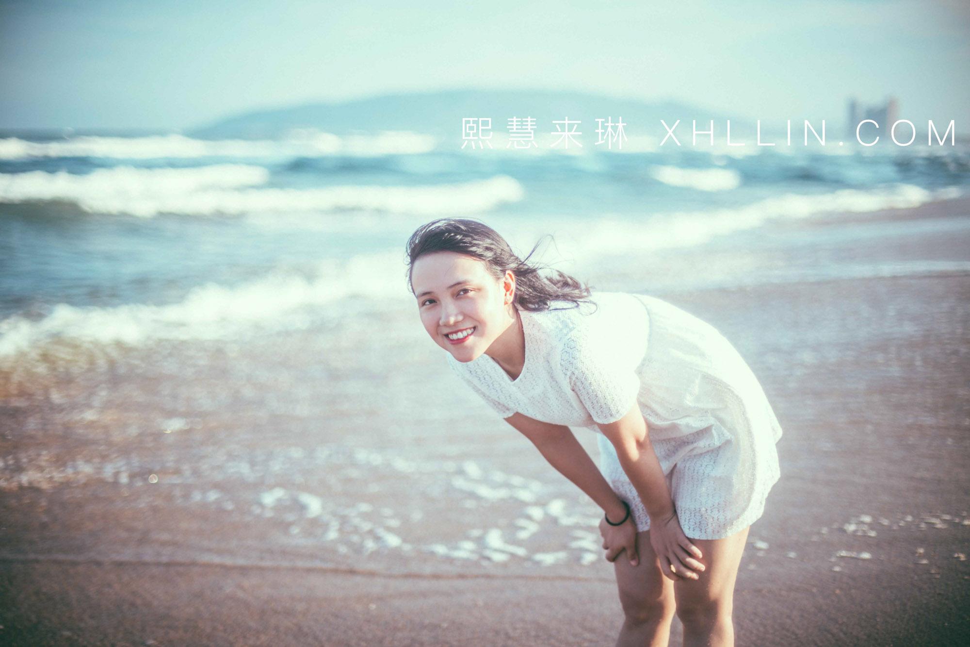 《台风前的沙滩照》